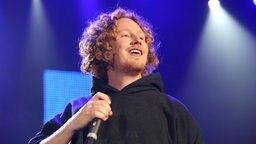 Michael Schulte auf der Bühne © NDR Foto: Mirko Hannemann