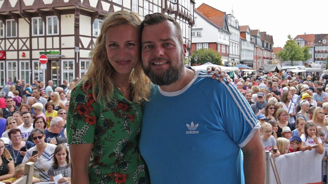 Petersen & Marhold senden live vom Marktplatz