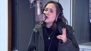 Alice Merton singt. © Screenshot, NDR 2 Fotograf: Marek Nowacki