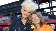 Drag-Queen Olivia Jones und Bettina Tietjen © dpa - Fotoreport