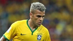 Dani Alves bei der FIFA Fußball WM in Brasilien 2014. © dpa