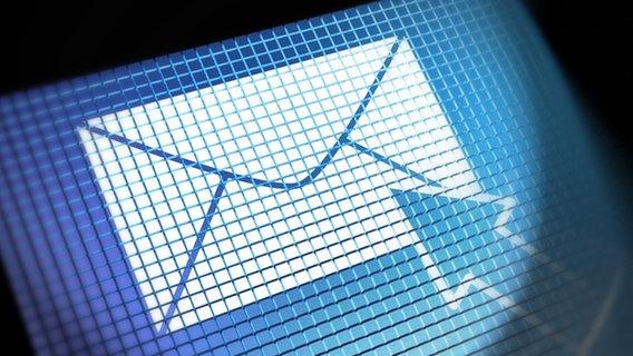 Elektronisches Symbol eines Briefumschlags. © panthermedia Foto: Stuart Miles