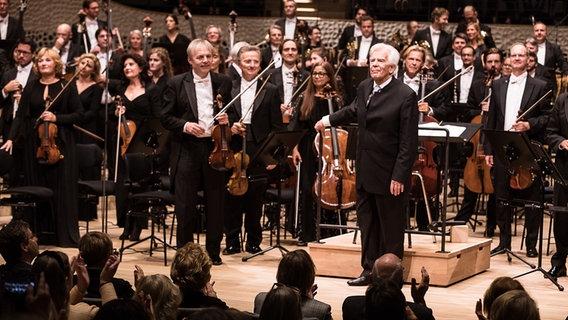 Dirigent Christoph Von Dohnanyi Feiert 90 Geburtstag Ndr De Orchester Und Chor Ndr Sinfonieorchester