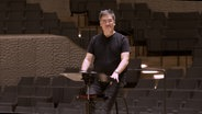 Screenshot: Alan Gilbert am Pult der Elbphilharmonie (Probensituation) © NDR Foto: Screenshot