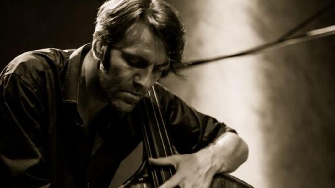 Der norwegische Bassist Mats Eilertsen