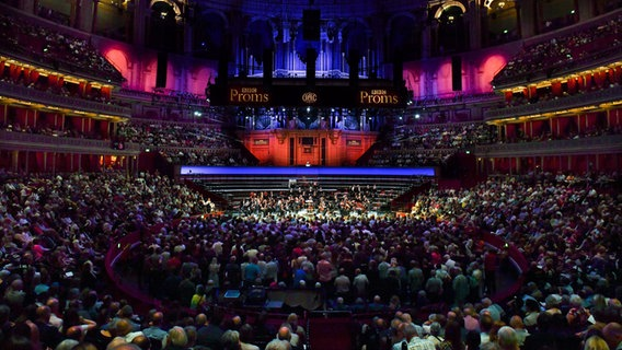 Die NDR Radiophilharmonie in der Londoner Royal Albert Hall. © Christopher Christodoulou Foto: Christopher Christodoulou