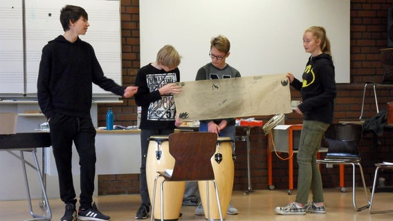 "Workshop zum ""War Requiem"" am Gymnasium Sarstedt"