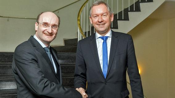 Andrew Manze verlängert Vertrag | NDR.de - Orchester und Chor - NDR ...