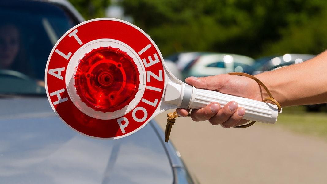 Polizei kontrolliert Autos auf Diebesgut