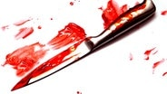 Blutverschmiertes Messer © picture alliance / photoshot Foto: Kate Morwenna Healey