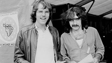 Peter Urban (re.) und Jörg Peter Ahlers beim Hörfest in Hamburg 1985 © NDR