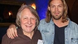Peter Urban und der Musiker Ingo Pohlmann © Picture Alliance/Eventpress