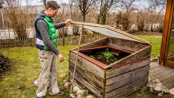 Aus Einem Hochbeet Ein Fruhbeet Bauen Ndr De Ratgeber Garten