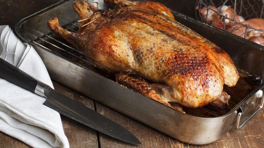 Ganze Ente Im Ofen Zubereiten Ndrde Ratgeber Kochen Küchentipps