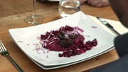 Steak mit Chrysanthemen-Vinaigrette