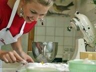 Rezept Rhabarber Baiser Kuchen Vom Blech Ndr De Ratgeber Kochen