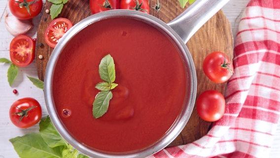 Tomatensauce im Topf. © M.studio/fotolia Foto: M.studio