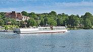 Ausflugsschiff auf dem Dieksee bei Bad Malente © fotolia Foto: travelpeter