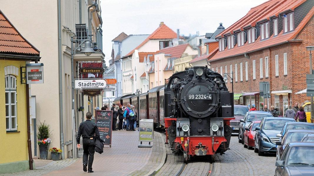 Backsteinprunk und Bäderglanz in Bad Doberan - NDR.de
