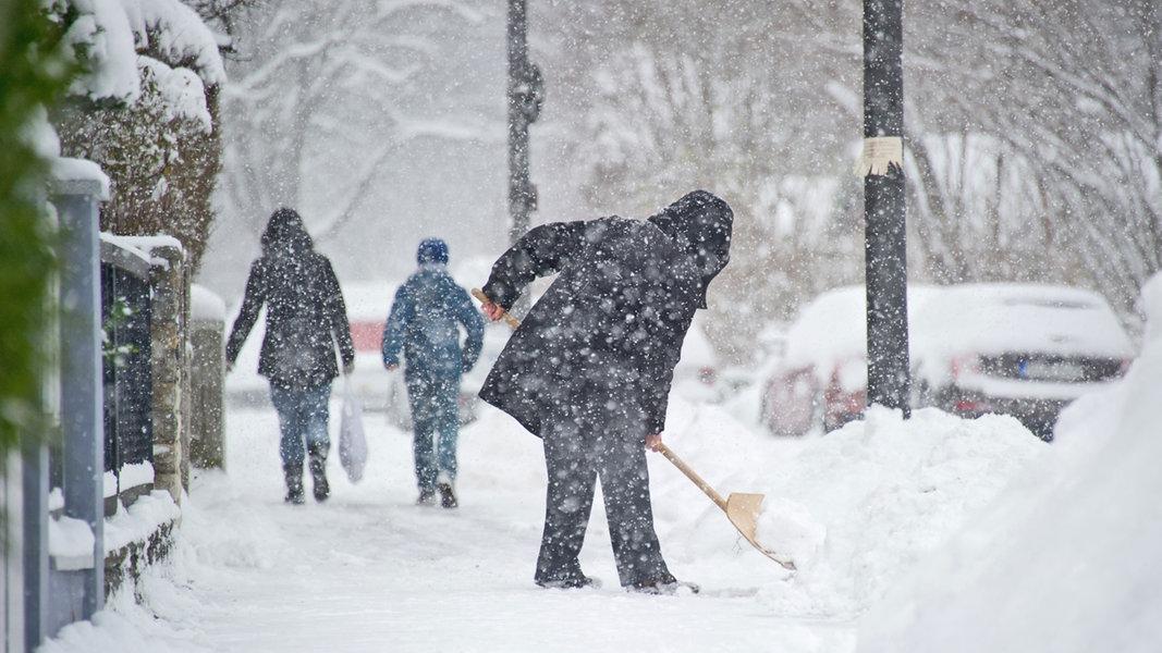 Schneeräumen Während Es Schneit