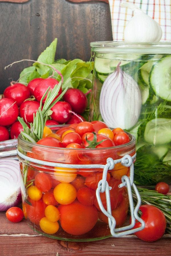 Gemüse und Obst einkochen, trocknen, einlegen