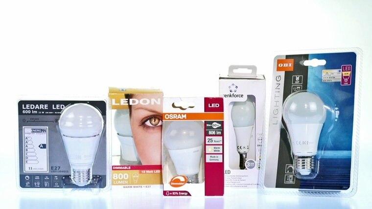 In Einer Stichprobe Prüft Markt, Ob LED Lampen So Gut Sind Wie Eine  Herkömmliche 60 Watt Glühbirne.