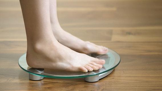 Ernährungsübergewicht und Fettleibigkeitsunterschied