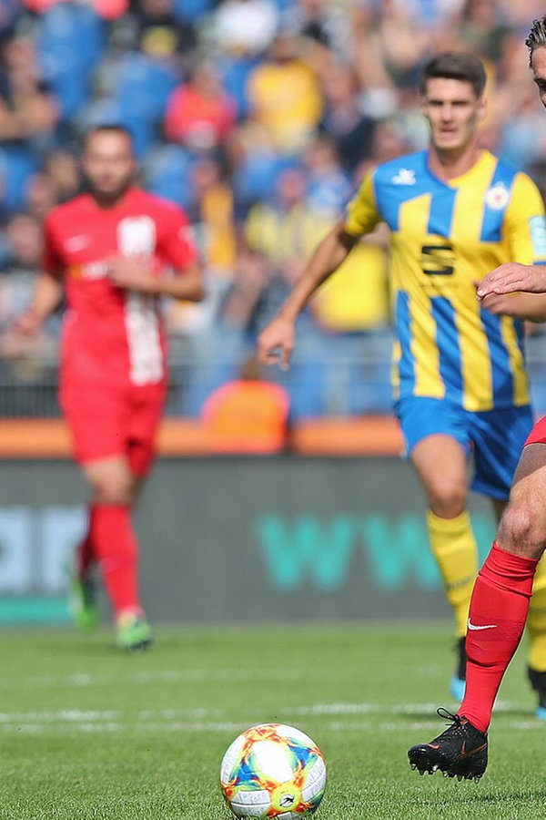 Hansa Rostock düpiert Eintracht Braunschweig