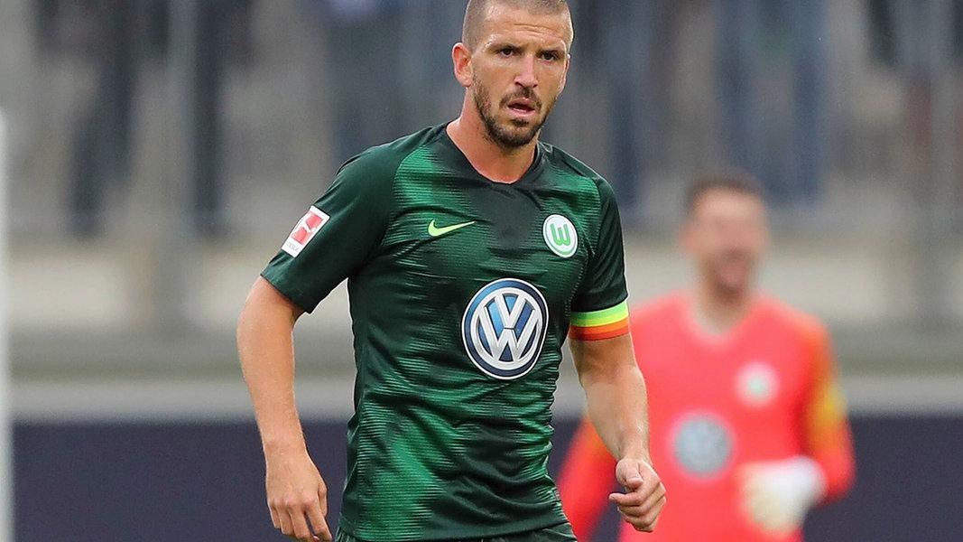 VfL Wolfsburg: Doppelte Warteschleife für Camacho