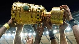 Die DFB-Pokal-Trophäe © imago/Eibner
