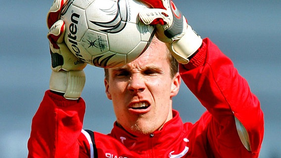 Keeper Robert Enke in Aktion © picture-alliance