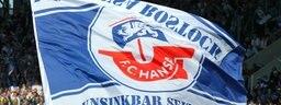 Hansa-Fans mit Fahne; Rechte: dpa