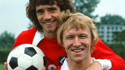 Horst Hrubesch mit Kevin Keegan © Witters Foto: Witters