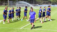 HSV-Trainer Dieter Hecking beim Training © Witters