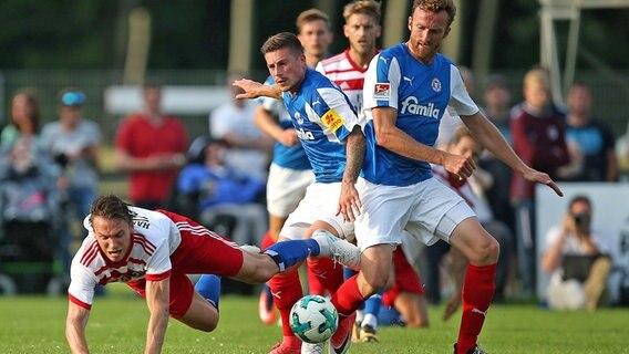 Schleswig-Holstein - Hamburger SV verpatzt Saison-Auftakt gegen Holstein Kiel