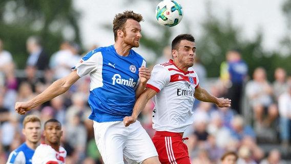 HSV-Trainer Gisdol nach 3:5-Blamage gegen Kiel gelassen