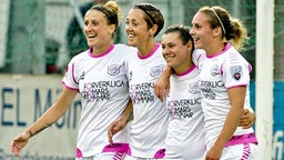 Anja Mittag (l.) jubelt mit ihren Mitspielerinnen vom LdB FC Malmö: Therese Sjögran, Ramona Bachmann und Manon Melis (v.l.) © imago/Kamerapress