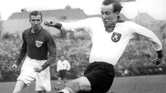 Die Geschichte Des Fc St Pauli Ndr De Sport Fussball