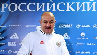 Russland Nationaltrainer Stanislav Cherchesov © dpa Fotograf: Valery Sharifulin