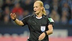Schiedsrichterin Bibiana Steinhaus © Witters Foto: Uwe Speck