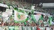 Fans von Werder Bremen © imago images / Team 2