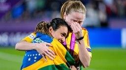 Tränen bei Marta (l.) und Lisa Dahlkvist © Witters Foto: Carl Sandin