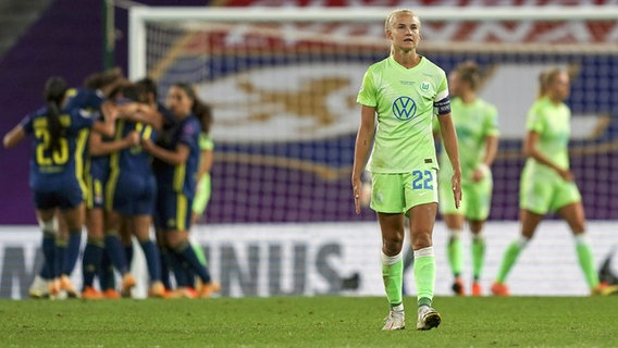 Frust bei der Wolfsburgerin Pernille Harder im Champions-League-Finale gegen Lyon © imago images/Sports Press Photo