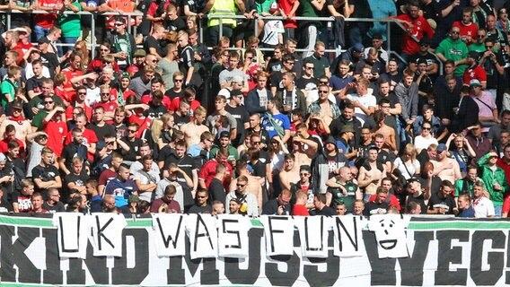 Schwache Schalker unterliegen mit 0:1 in Hannover