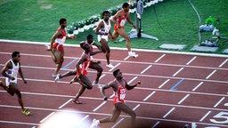 Carl Lewis wird 1984 Olympiasieger über 100 m. © imago/Sven Simon