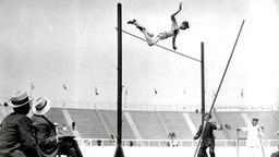 Silbermedaillen-Gewinner 1908 im Stabhochsprung: Ed Archibald (Kanada) © picture-alliance/ dpa