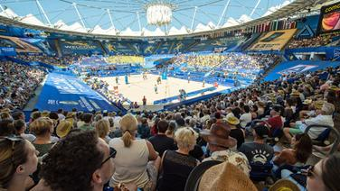 Stadionathmosphäre bei der Beachvolleyball-WM am Hamburger Rothenbaum