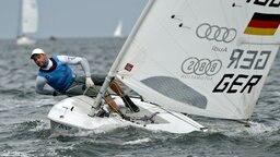 Philipp Buhl segelt bei der Kieler Woche mit. © picture alliance / dpa