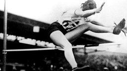 Hochsprung-Olympiasiegerin Ethel Catherwood aus Kanada © picture-alliance/ dpa