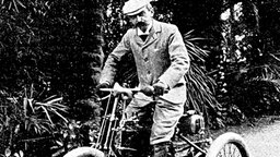 Baron Pierre de Coubertin bei den Olympischen Spielen in Stockholm © picture-alliance / maxppp
